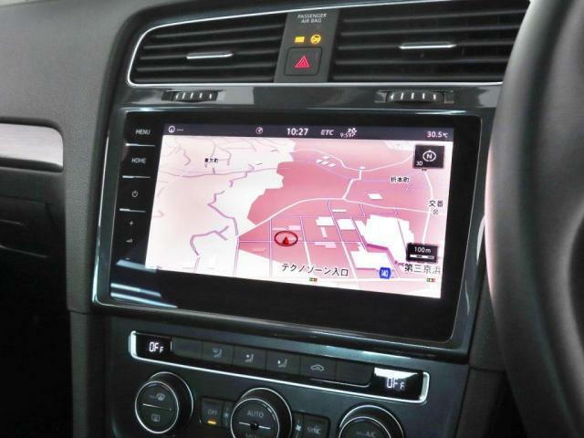 9.2インチの新世代DiscoverProを装備!地デジ、Bluetooth,CDプレーヤー等多機能なインフォテイメントシステムです。