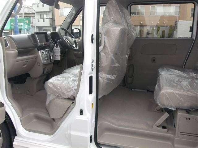 大阪で新型スズキ車のコンパクトカー・軽自動車なら当店へ!展示車ご案内の為、ご来店商談希望の方は事前にお電話を!06-6994-5360迄