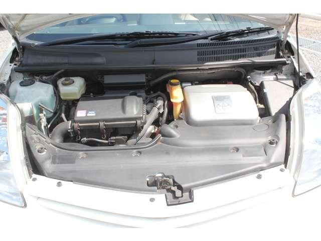 丁寧に整備・管理されてきた車ですね。機関系・足回り共に状態良好です。