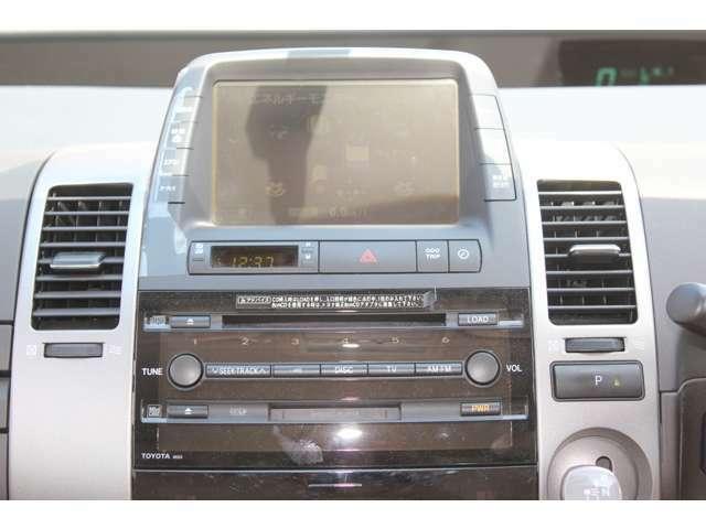 純正ナビシステム バックカメラ付き オプションでTVチューナー設置など承ります。