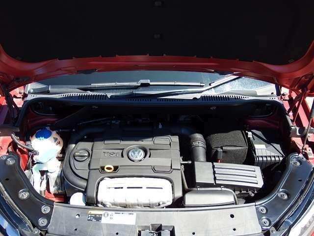 1.4L 直列4気筒DOHC直噴ツインチャージャーエンジン