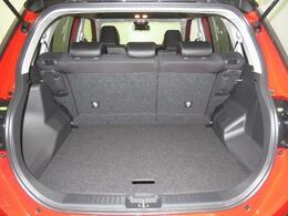 大人5名が乗車しても、荷物をたっぷり積み込めます。(369Lカタログ値)