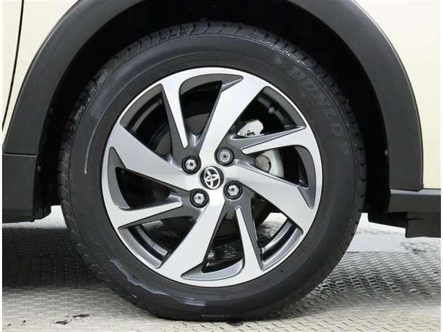 純正アルミホイール。タイヤサイズ185/60R16