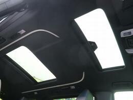 【ツインサンルーフ】☆車内には解放感が溢れ、爽やかな風や太陽の穏やかな光が差し込みます☆