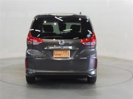当店のU-Carはロングラン保証付。一年間走行距離無制限の無料保証が付いています。