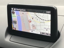【マツダコネクト装備】ナビSDカード付です♪お好みに合わせてお車の各種設定を調整出来ます★USB接続端子やブルートゥース機能ももちろん搭載!手元のコマンダーで安全に操作出来ます。