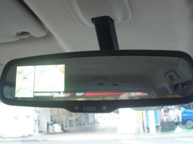 アラウンドビューモニター付きです。自車を真上から見られるので車庫入れが本当に楽なんです!!是非体感して下さい。