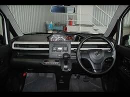 純正CD・デュアルセンサーブレーキサポート・レーンキープ・ヘッドアップディスプレイ・運転席シートヒーター・アイドリングストップ・オートエアコン・プッシュスタート・スマートキー付です。