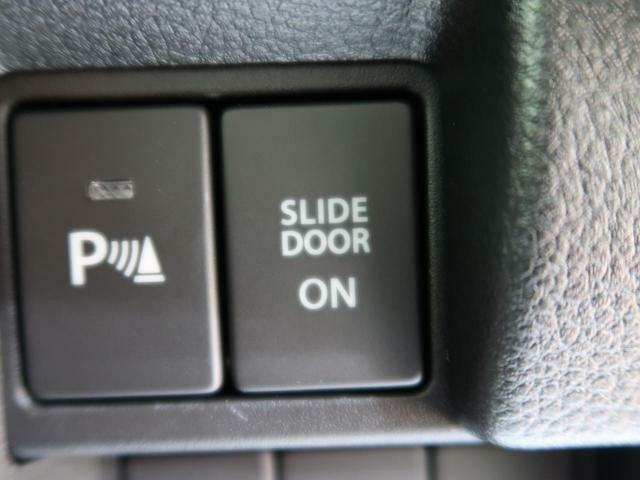 【コーナーセンサー】大きなお車を運転するのが不安な方でも、ブザーと光でお知らせ致します♪