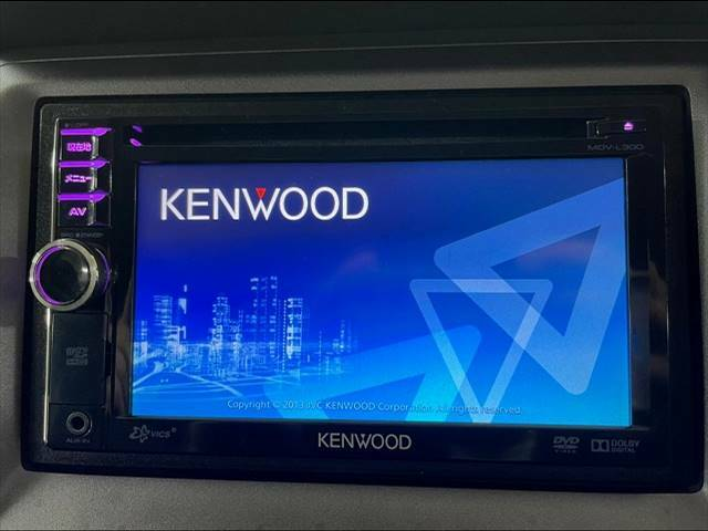 ケンウッドSDナビを装備でロングドライブも快適です。TV再生可能!