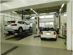 BMW・MINIブランドを知り尽くしたマイスターメカニックが常駐