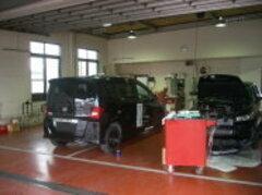 ホンダ車を知り尽くしたホンダサービスエンジニアが整理整頓されたキレイな工場で整備させていただきます。