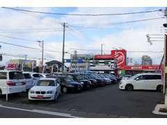 新潟バイパス黒埼ICを青山方面へ、最初の交差点の右側にあります!!行きやすい!!