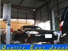 リフト付き自社整備工場完備!車検から一般整備、板金塗装までお任せ下さい!