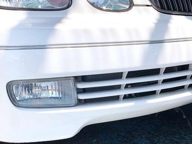 """フォグランプ フロントバンパーの左右に""""補助灯""""が付いております!路面状況や天候に応じて十分な視界を確保します♪"""