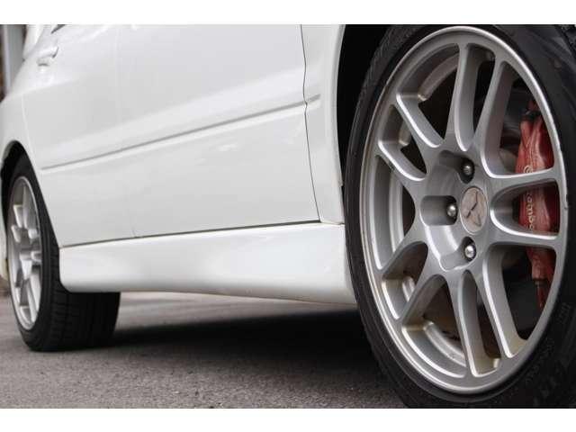 【GTパーツ】マフラー・車高調・AW・エアロなどなど・・・ GTスポーツカーならではの各種パーツ取付もスタッフにご相談ください。