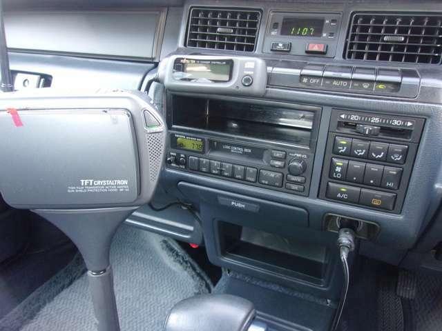 純正カセットデッキが付いています。動作確認もOKです。ナビゲーションへの変更、ドライブレコーダーの取付け等も別途お見積りいたしますので、お気軽にお問合せして下さい!