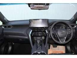 グレードは 『Z 2WD ガソリン車』です メーカーオプションで、調光パノラマルーフ・パノラミックビューモニター付きです