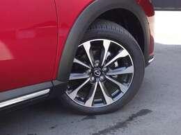 タイヤ溝はまだまだ残っております!大きな傷等もございませんので、そのまま長くお乗り頂けます!