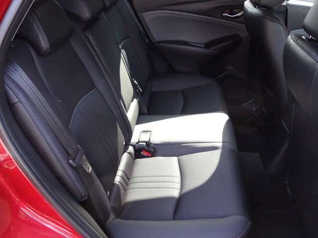 後部座席にも大きな傷などはございません!大切な人を乗せても快適なドライブが楽しめます☆