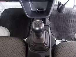■4WD、5速マニュアル、力強いトルク