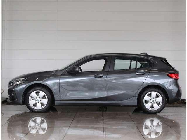 お車のお見積りと合わせましてBMW自動車保険のお見積もご用意致します。BMW車オーナー様へ向けたBMWだけの特典がございますBMW自動車保険につきましてもお気軽にご相談下さい。