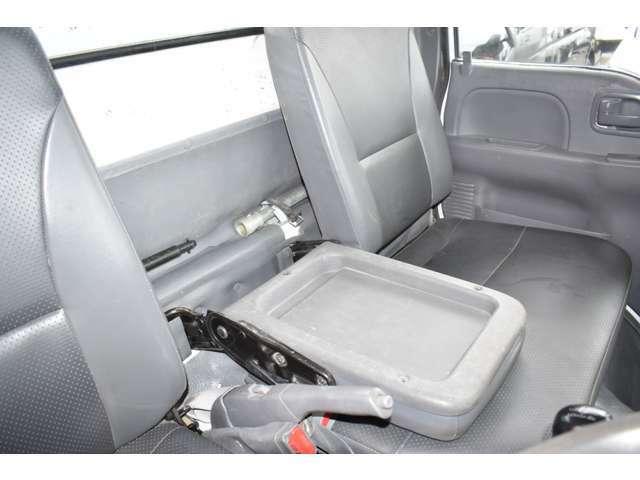 ■センターシートは物置などに変わります■