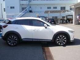 支払総額に含まれる諸費用の金額は、「神奈川県登録」「一般ナンバー」「お客様が車庫証明を取得」「店頭納車」にて計算しています。
