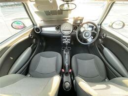 ◆運転席と助手席はこんな感じです♪