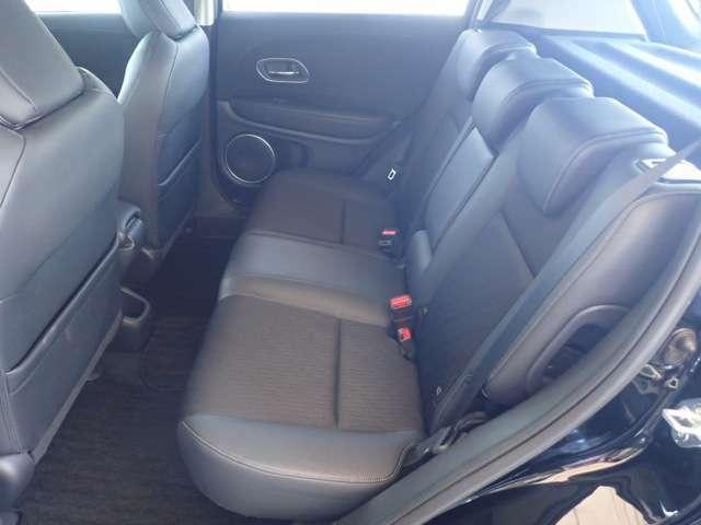 ◆2列目シートも足元ゆったりで快適に座って頂けます。チャイルドシートの取り付けにも対応しております。後部座席にお乗りの方も快適にお出掛け出来ます。