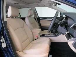 電動リクライニングシートでシートポジションも自由自在♪