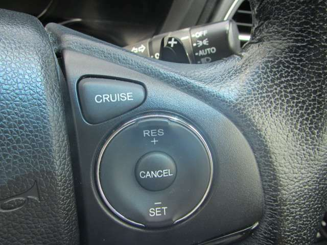 AUTOにしておくと外の明るさに応じてヘッドライトをつけたり消したりしてくれます!普段使いはもちろん、トンネルの多い道中など、重宝します!