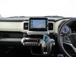 遊び心にこだわった、運転が楽しくなるような内装となっております!