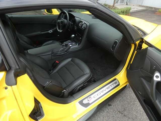 運転席同様に助手席にもパワーシートとランバーサポート機能が備わっています!