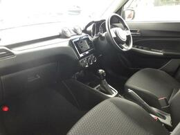 コンパクトなボディーサイズとは思えないゆとりある車内空間。室内長1,910mm。室内高1,225mm。