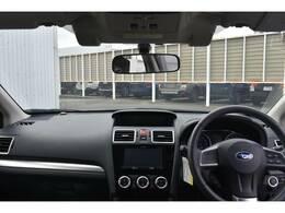 Aピラー(フロントガラスの柱)の形状や向き、ドアミラーの取付位置などを工夫し、見通しがよく運転がしやすい設計です!