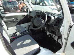 車内空間は、コンパクトな設計となっております!