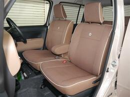 ブラウンカラーのファブリックシート・ホワイトパイピング&COCOAロゴマーク入りのチャーミングなシート