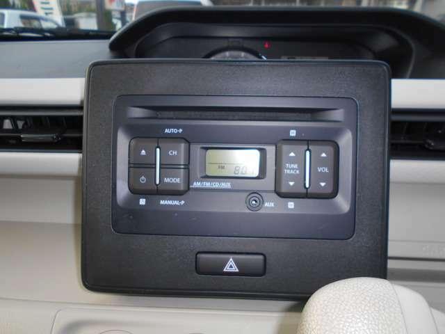 純正CDオーディオです。AM/FMラジオ機能付き。