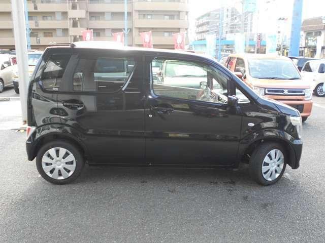車体色はブラックです。大人気色です。