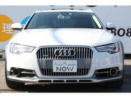 車両本体価格 2,907,272円,(税抜)事故修復歴もちろんございません。自動車鑑定協会の発行の鑑定書もございます。