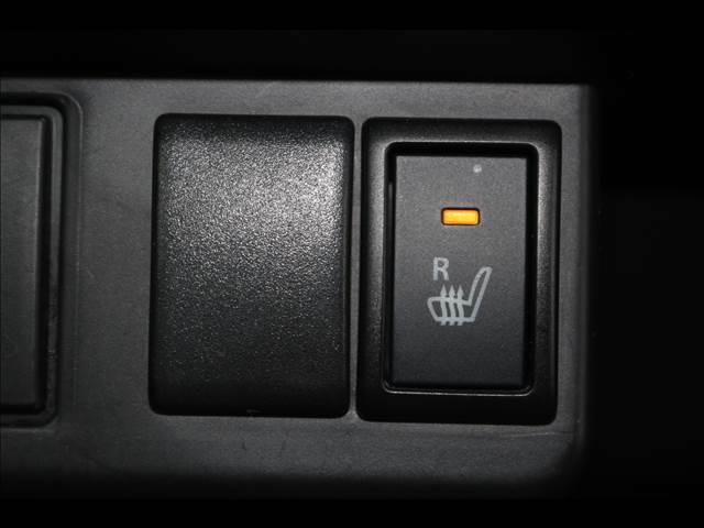 ボタンでオンオフ 運転席シートヒーター付き