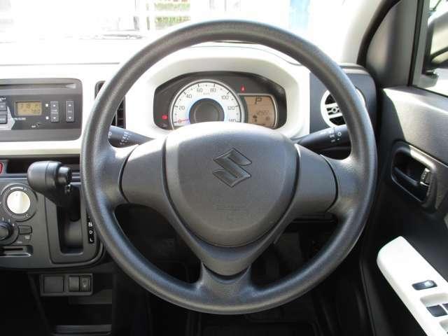ハンドルも運転しやすく作られています!!