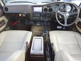 新品ダッシュボード張り替え!!カロッツェリアナビ・TV付き。ガソリン・オートマ車です。