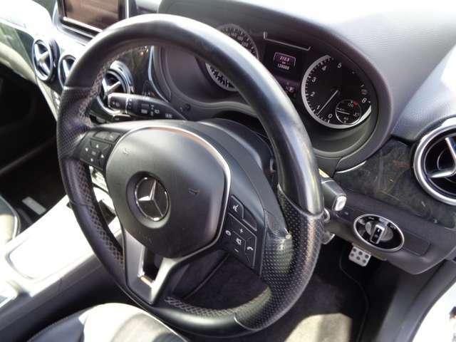★マニュアルモード装着車!・・・パドルシフトでスポーツ走行はもちろん、坂道でのエンジンブレーキ等、安全面でも活躍します!
