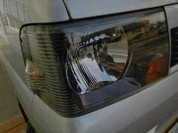 ヘッドライトはくすみは無くきれいな状態を維持しています。