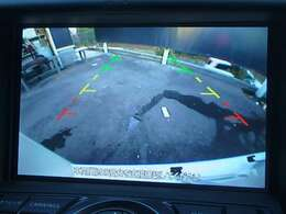 バックビューモニター:バックが苦手な方でもモニターに映りますので、安心して駐車ができます。