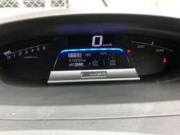 運転席メーターはデジタルメーター採用