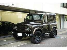 ランドローバー ディフェンダー90 Kahn Chelsea Wide Truck Co., 本国フルコンプリート 入庫いたしました。ATキットも搭載されております。