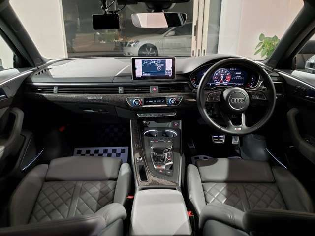 Bang & Olufsen 3D アドバンストサウンドシステム装着車